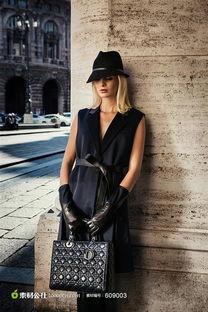 戴帽子的女模特街拍