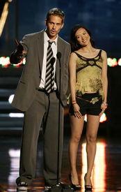 思瑞视频在线av-章子怡青春装扮出席MTV电影颁奖... ·24小时热图排行TOP3