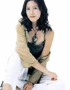 超自信不整容的韩国美女明星