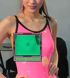 照片上这两名模特怀疑是被偷拍裸照,照片还被传到网络上公开示众,...