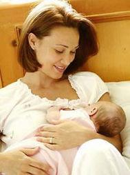 我的宝宝力气很大,可还是吃不完,乳房里总是有硬疙瘩,用吸奶器吸...