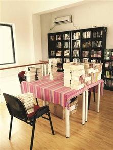 一处文化产业园开业.回想起书店刚开张时各种美好的设想,李古感慨...