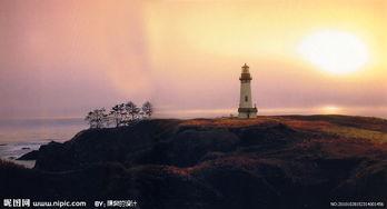 黄昏下的灯塔图片