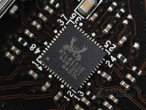 主板采用高级的ALC 887 8声道HD声卡,能为用户带来稳定、高质量的...