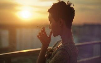 ...经都是会抽烟的坏孩子