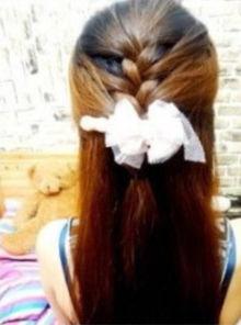 ...012最新编发图解教程 教你用最基础三股辫打造两款甜美发型