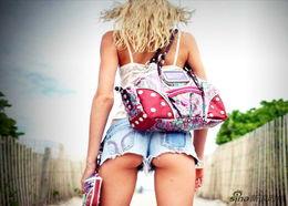 臀部在女性健美中占了不容忽视的地位.圆翘丰满的臀部不仅能使您...