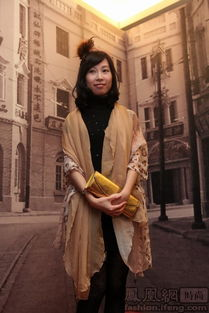 ...上世纪30年代上海风情,男宾们西装革履、长袍大褂,女宾的旗袍显...