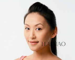 一般亚洲大部分人的肤色多多偏黄色,因此建议可以选择比自己同色或...