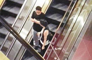 Kevin与婷婷约会看电影,散场后在商场散步前往停车场.-谢婷婷与陈...