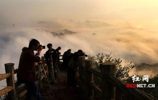 新宁县崀山申报世界自然遗产以来,越来越多的世人对这片