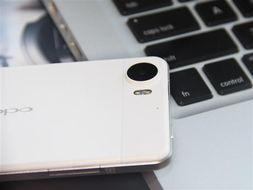 OPPO Finder手机机身背面配备了一枚800万像素的摄像头,和之前的...