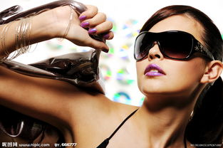 时尚杂志美女高清晰图片