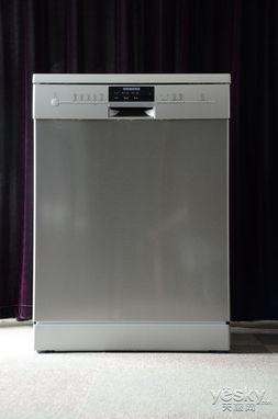 西门子洗碗机SN25M831TI外观-西门子独立式洗碗机首测 轻松洗涤 简...