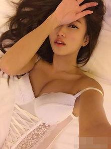 把小姨子变成床上玩物-陈冠希前女友黄榕晒床照 上围傲人表情诱惑