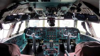 ...76的驾驶舱,高端、大气、上档次,在高丽航空里.-平壤机场机型老...