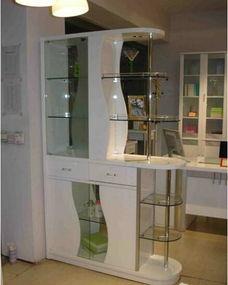 酒柜玻璃隔断装修效果图