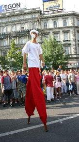 布达佩斯狂欢游行告别夏季 3