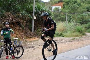 吉泽明步单轮车女警-为人生列个骑行清单 死前一定要做的26件事 上