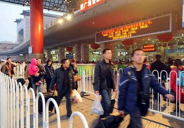 措施得当 北京西站井然有序