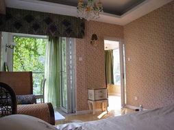 阳光花房 看和睦三口之家演绎的温馨浪漫