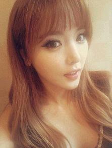 竟是同一个人 韩国美女歌手不同角度照片引热议