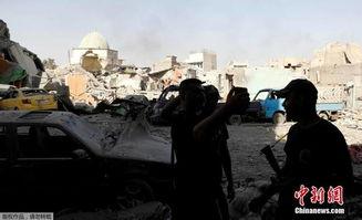 九圩炮王-表情 伊拉克全面解放IS占据摩苏尔士兵表情严肃无喜色 军事 ...