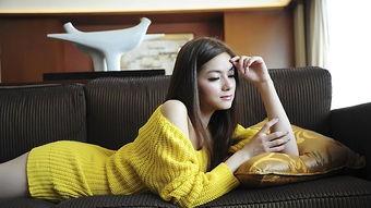 中国彩吧更懂彩民-壮族女生黄素珍来自广西,自幼父母离异,与爷爷相依为命,依靠救助...