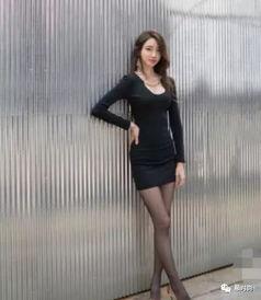 吸人眼球让腿部线条更加纤细迷人.   经典百搭的好穿又有质感显得时...