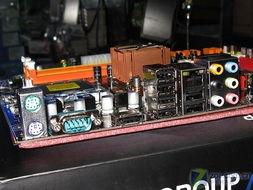 fd78a19e0002498e-IO接口部分提供1个eSATA接口,6个USB2.0接口,千兆网络接口和音...