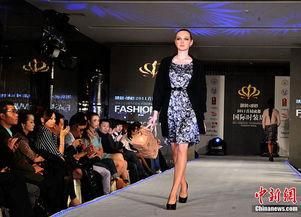 ...日晚,国际时装品牌ARTIS和世界著名珠宝品牌珍珠之王Mikimoto发...