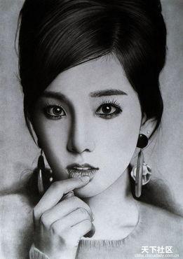 ...铅笔素描 黑白映画里的亚洲女孩