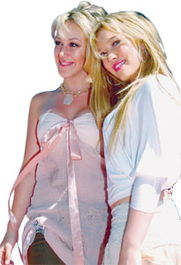 里·达芙的同胞姐姐.海莉跟妹妹一样早于1997年便开始幕前演出,...