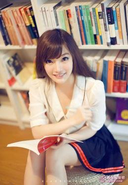 清纯美女校花图书馆看书唯美写真