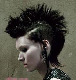 女生中性风格短发发型推荐 女孩子剃两边短发简直流行的没边了