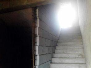 一间六层楼楼梯怎么布置