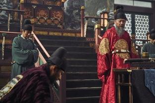 ...并与张东健饰演?-组图 玄彬张东健新片剧照公开 王子与奸臣对峙擦肩