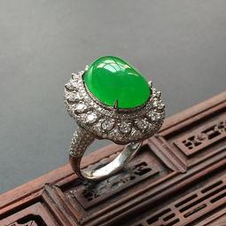 男士戒指的戴法和意义 翡翠戒指的佩戴方法和如何挑选翡翠戒指一样
