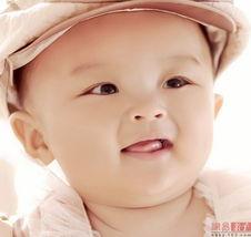 ...然一笑看到宝宝甜甜的一笑,所有烦恼都没了-小帅哥燕宝宝