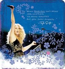乡村乐小才女泰勒 史薇芙特创作的贺卡,你打几分 Taylor Swift x ...