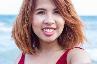 带着金色大耳环的美女肖像图片素材 带着金色大耳环的美女照片 jpg格...