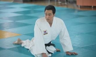 韩国男演员苏志燮将通过新剧《幽灵》首次挑战柔道,尽展男人魅力....