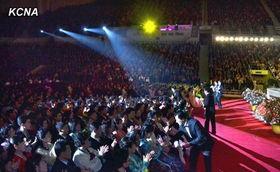 ...举行三八妇女节音乐会 表达妇女对抗美韩意志