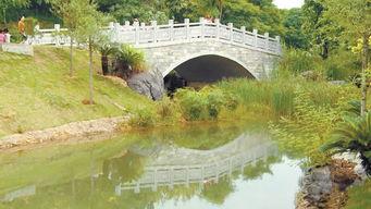 江南公园位于江南区壮锦大道17号,公园占地面积53.