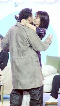组图 刘涛穿露肩睡衣性感撩人 强吻 小包总杨烁