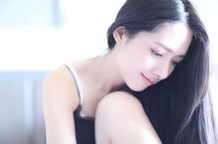 郭碧婷大玩小性感 床上写真清纯又青春