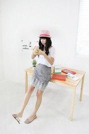 """裙子低下光溜溜图-夏日恋战""""茧形裙""""新奇百变(图)"""