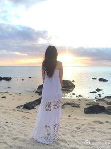 海边看日出背影恬静-王宝强娇妻晒美照 爸爸3 妈妈团颜值PK