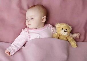 间过长,头部与枕头摩擦,新陈代谢而致.家长不需要担心,因为宝宝...