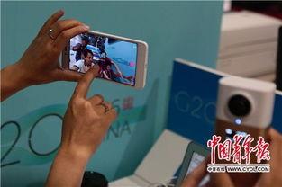 国青年报・中青在线记者在调试VR全景相机.在这次中青报G20全媒...